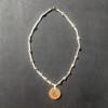 Kép 3/4 - Csomózott nyaklánc gyönggyel, medállal