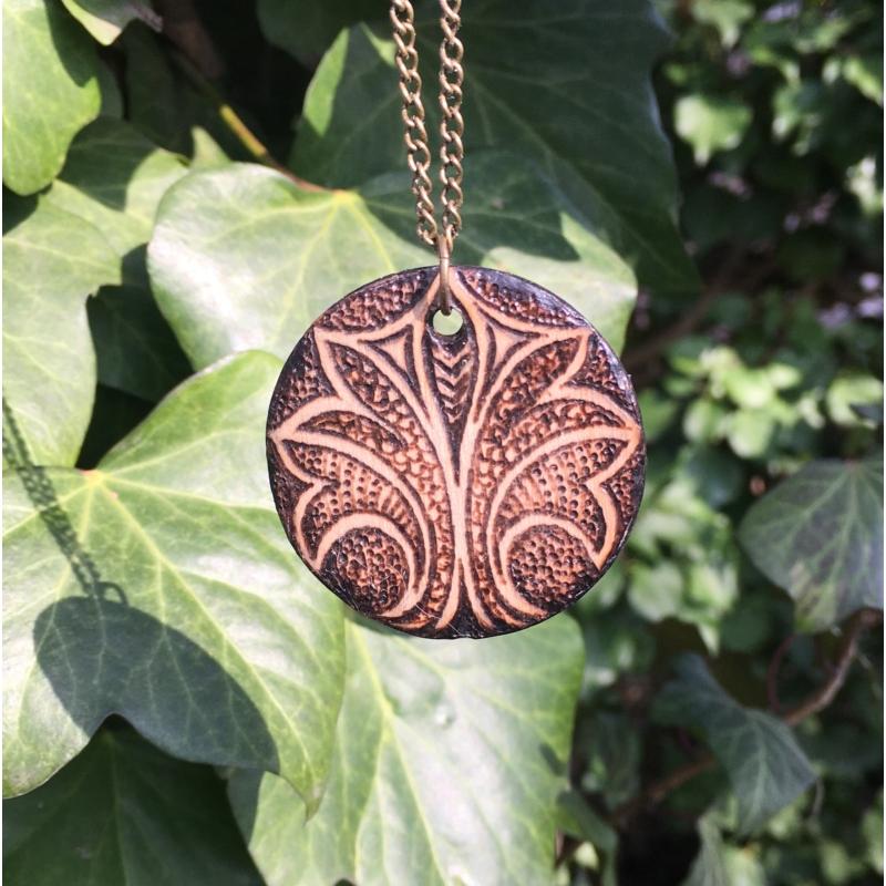 Égetett medál ornamentikus mintával - Bodzakunyhó