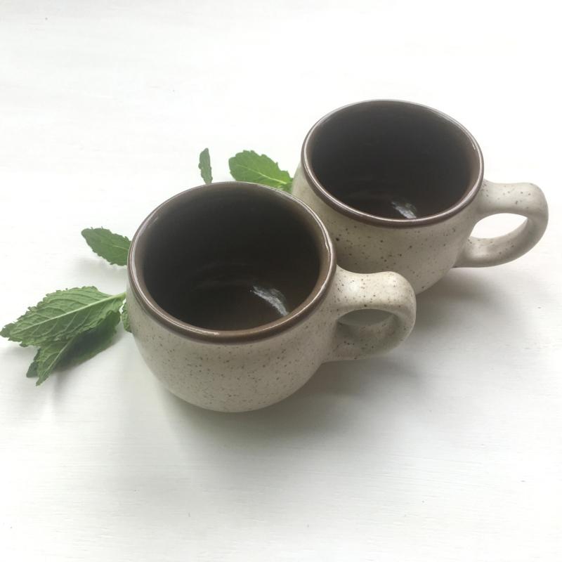 Krémszínű csésze pár